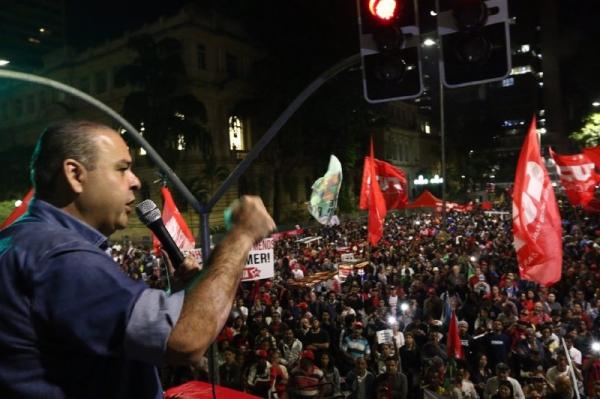 Abril Vermelho é o caminho da resistência rumo à Greve Geral