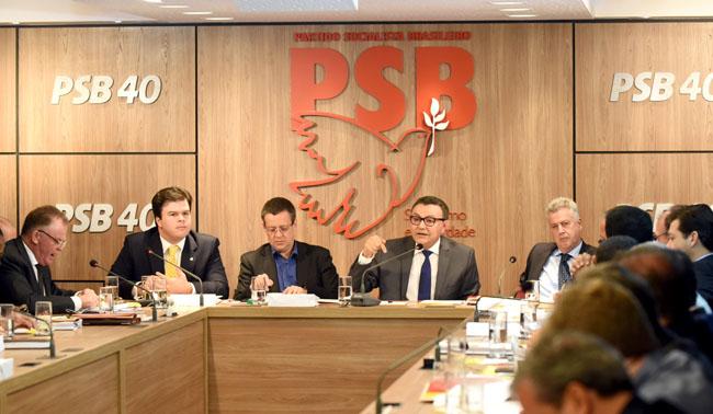 Integrante da base de Temer, PSB decide votar contra reforma trabalhista