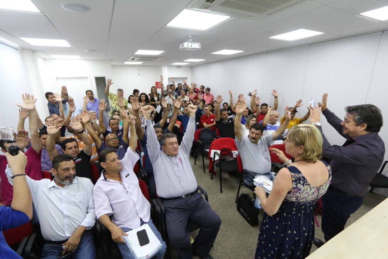 Trabalhadores fundam instituto para fomentar desenvolvimento da indústria nacional