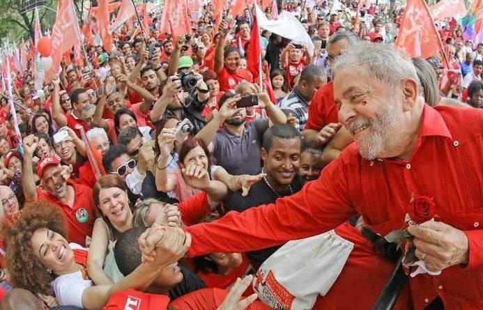 Crescem ações em defesa de Lula e da democracia no Brasil