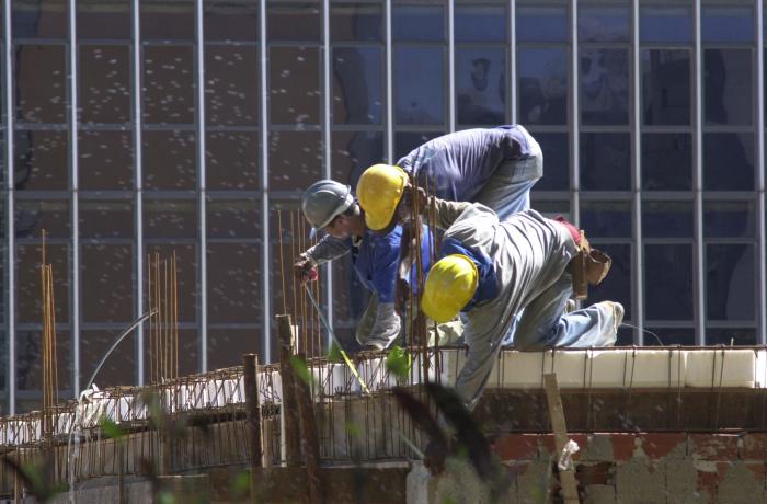 No Brasil, a cada 48 segundos um trabalhador sofre acidente e um morre a cada 4 horas