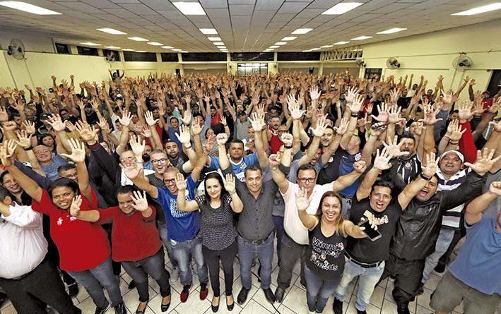 Trabalhadores conquistam 5 % e cláusulas sociais em cinco grupos