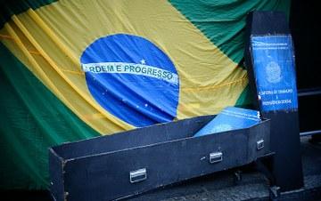 Bolsonaro quer legalizar trabalho precário e retirada dos direitos trabalhistas