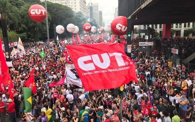 Greve geral vai parar o Brasil no dia 19, avisa Vagner Freitas