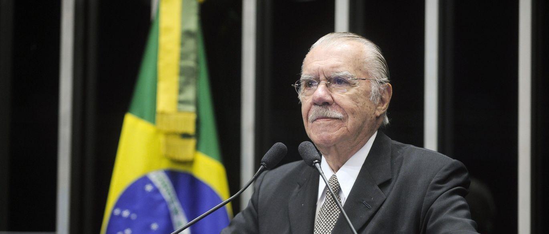 Sarney luta na justiça por aposentadoria de R$ 73 mil