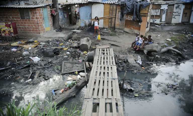 Bolsonaro impede acesso dos mais pobres ao Bolsa Família